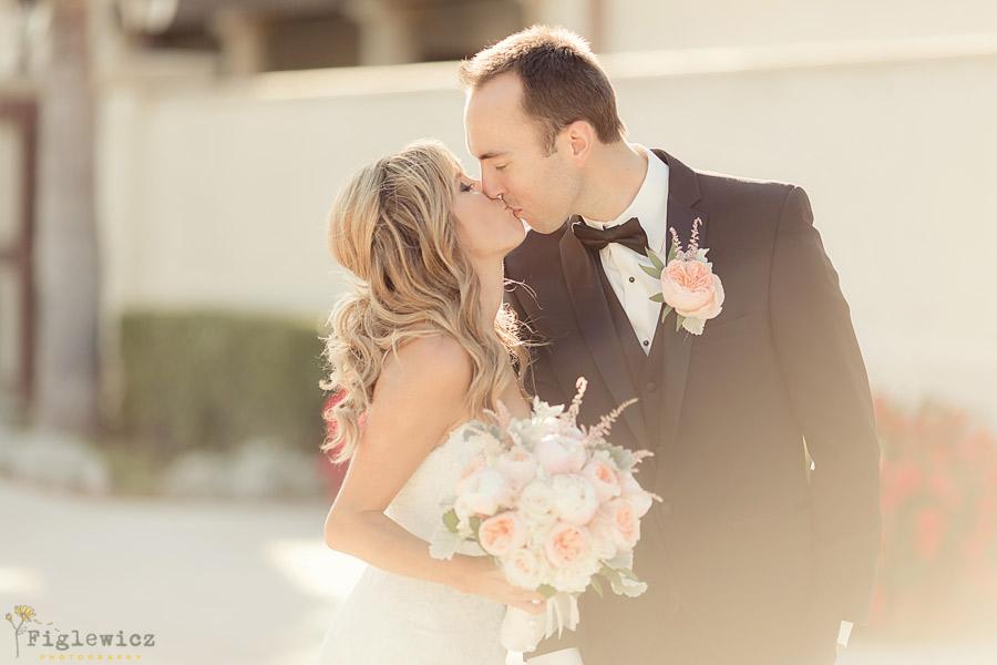 Palos-Verdes-Country-Club-Wedding-Alyse-John-00070
