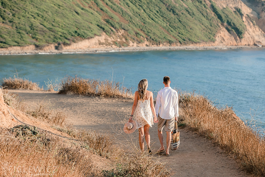 couple walking along palos verdes
