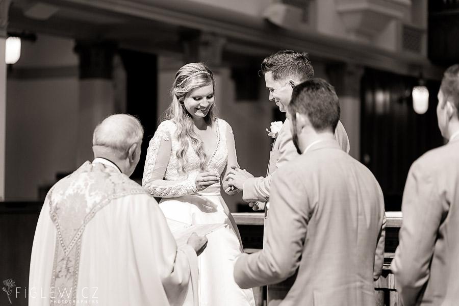 bride and groom sacred heart chapel wedding