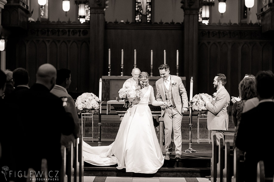 bride and groom sacred heart chapel wedding