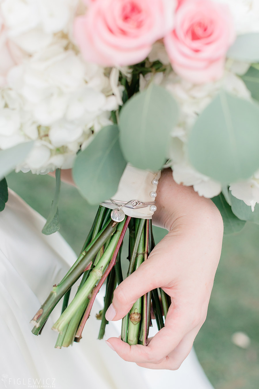 brides bouquet at South Coast Botanic Gardens wedding